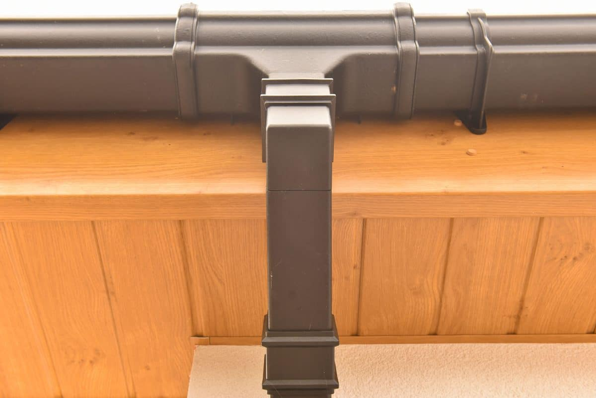 finsihed fascia and guttering fitting service